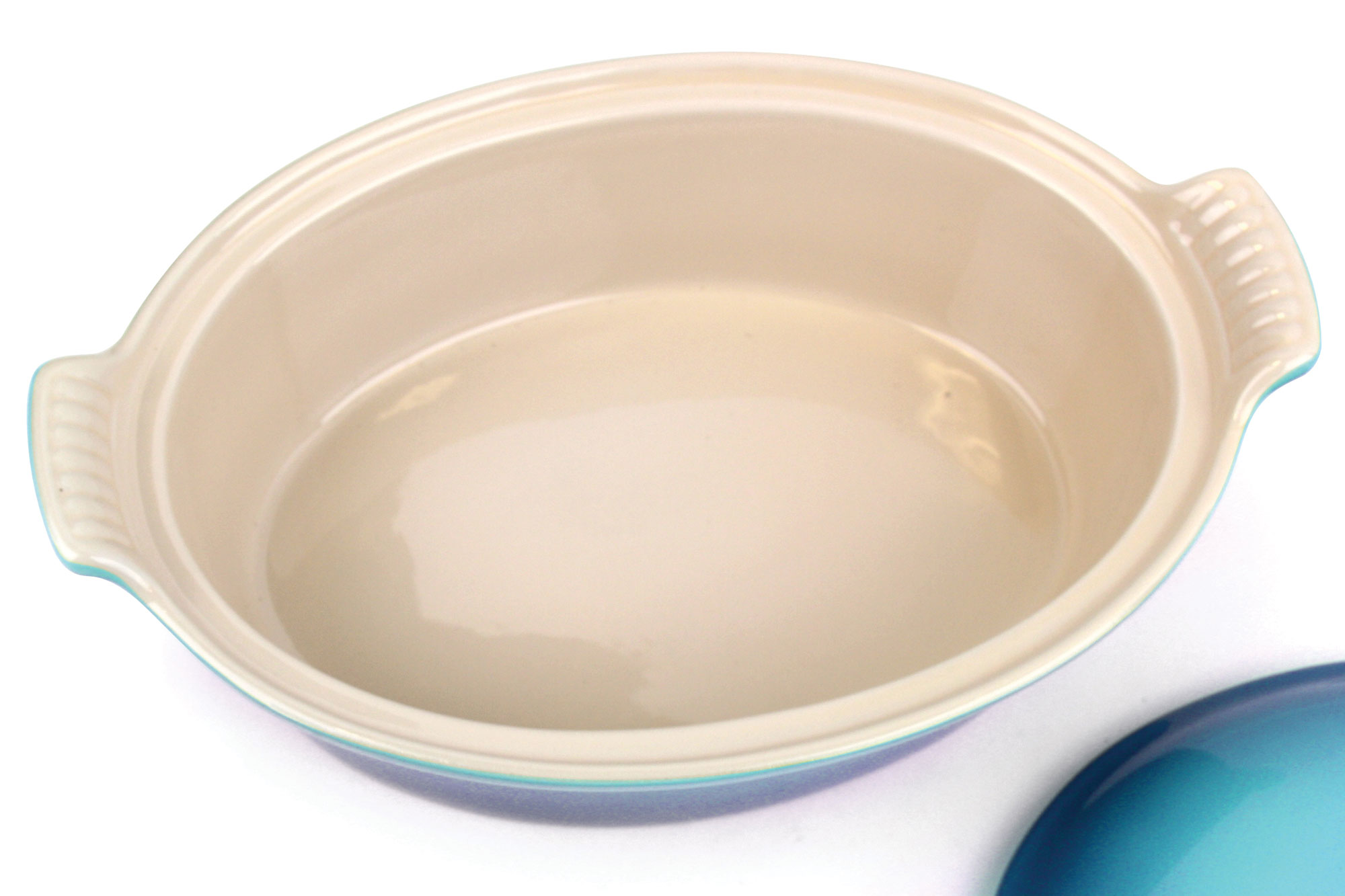 Le Creuset Stoneware Heritage Covered Oval Casserole 2 5