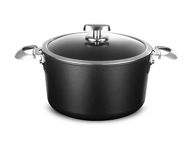 Scanpan Pro IQ Stratanium 6.5-quart Nonstick Dutch Oven