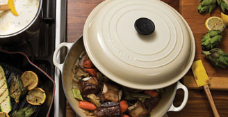 The Off White Shades That Make Up Le Creuset S Dune Lend A Traditional Gently Aged Character To Any Design With Soft Tones Of Eggshell Cane Sugar And