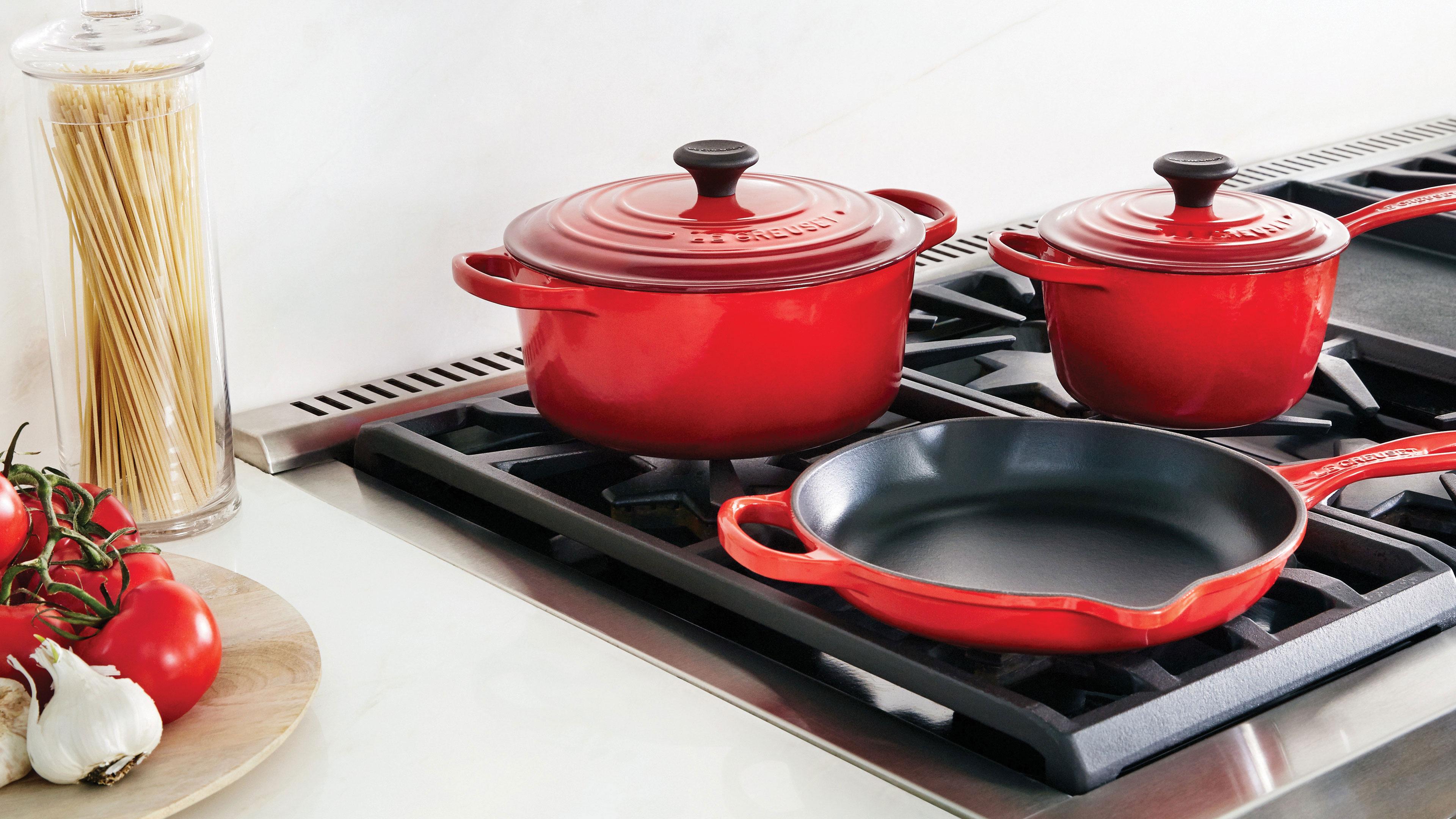 Le Creuset Signature Cast Iron Cookware Set 16 Piece