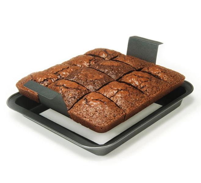 Chicago Metallic Slice Amp Serve Brownie Pan Set Cutlery