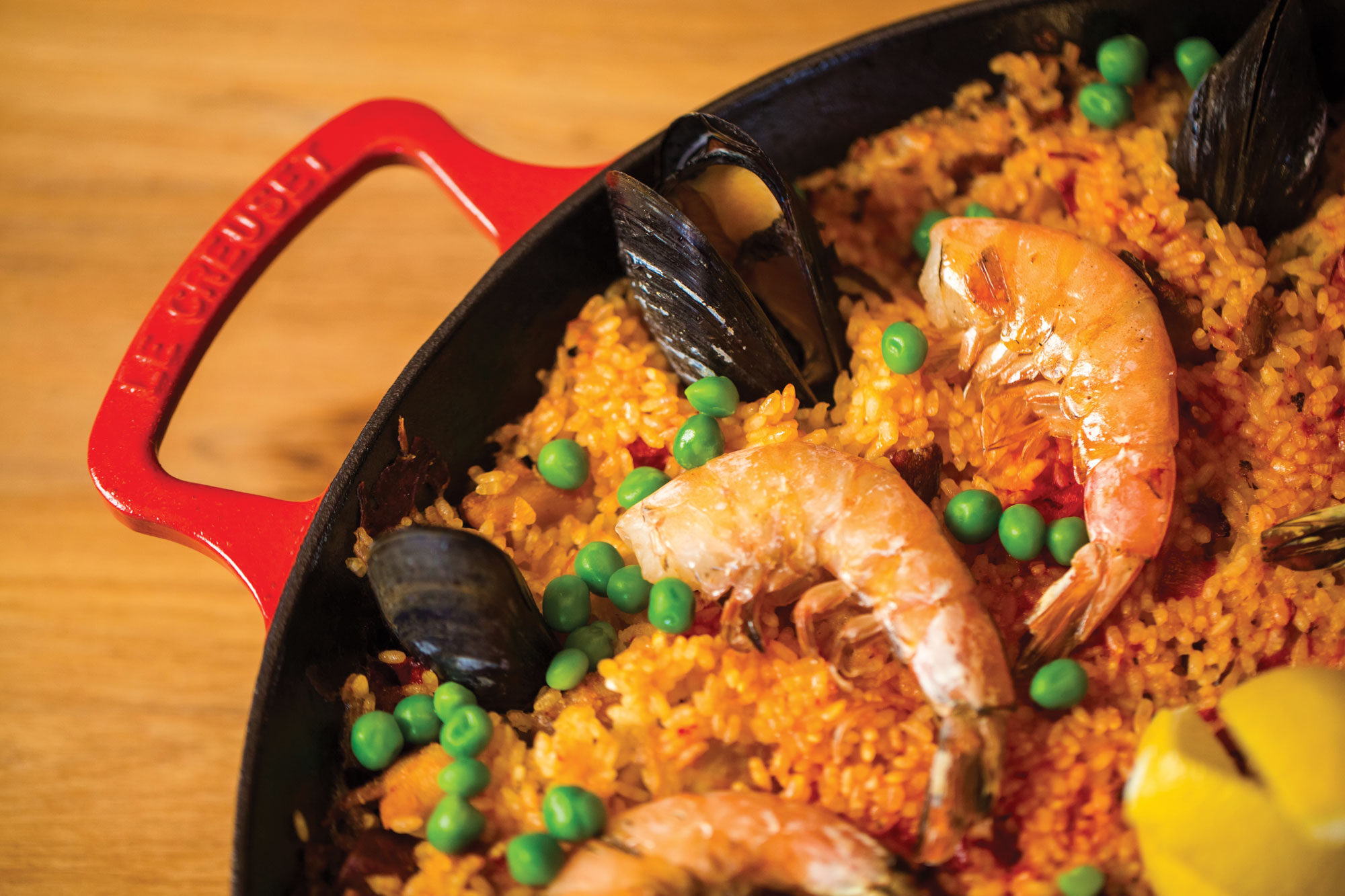 Le Creuset Cast Iron Paella Pan 13 25 Inch Cherry Red