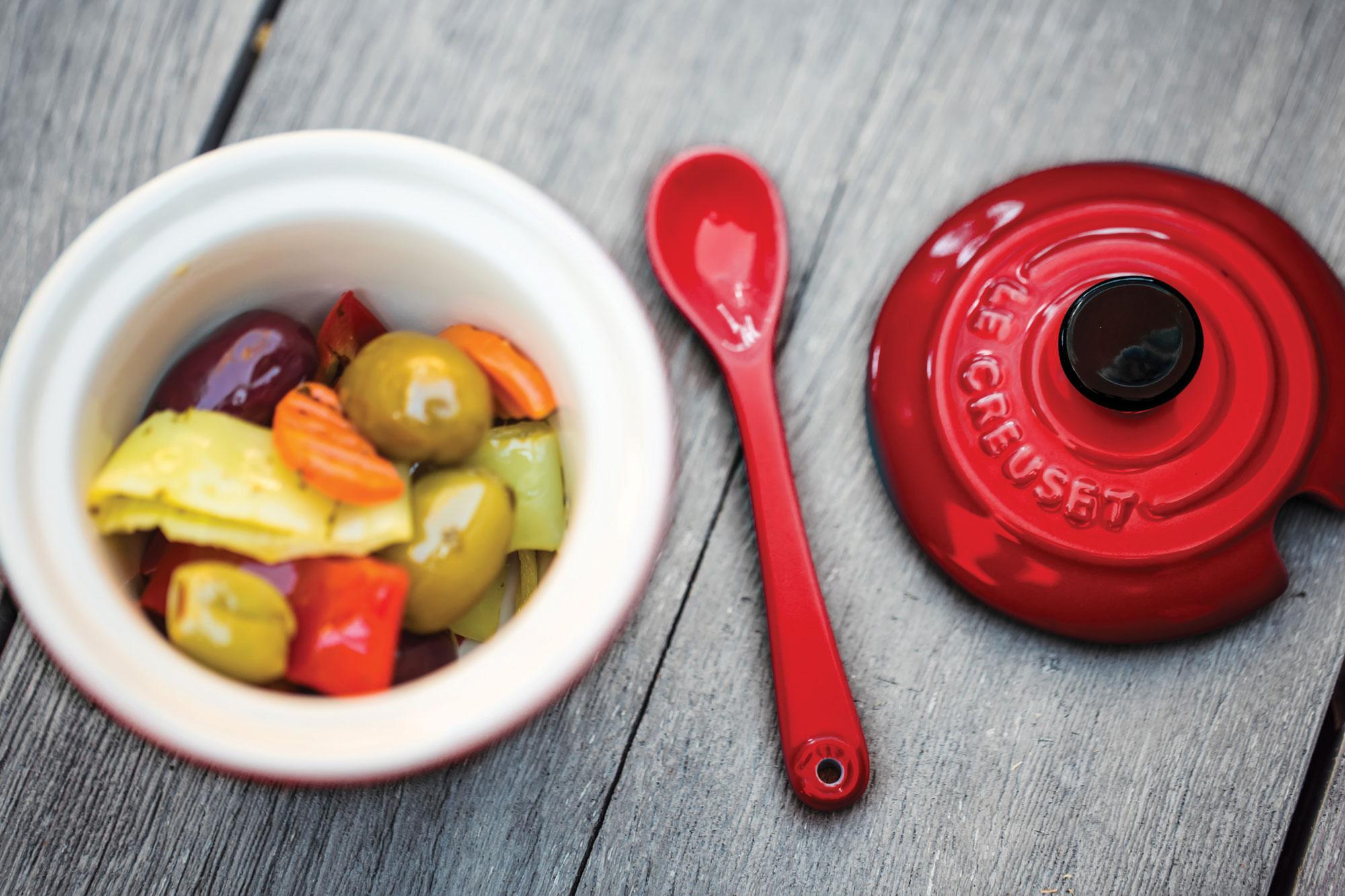 Le Creuset Stoneware Condiment Pot With Spoon 6 75oz