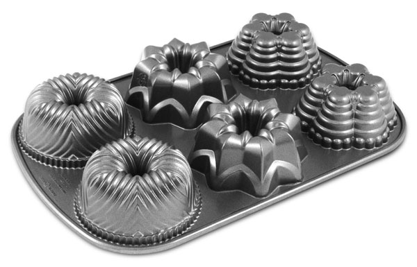 Nordicware Platinum Series Multi Mini Bundt Pan Cutlery