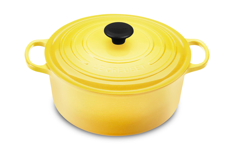 Le Creuset Signature Cast Iron Round Dutch Oven, 5.5-quart ...
