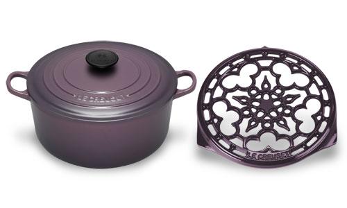 Le Creuset Cast Iron Round Dutch Oven With Trivet 4 5