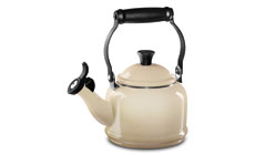 Le Creuset Enameled Steel 1¼-quart Demi Tea Kettles
