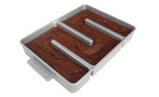 Baker's Edge Nonstick All Edges Brownie Pan