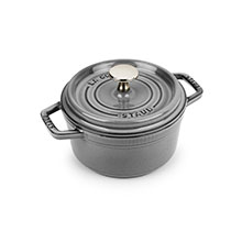 Staub 1¼-quart Round Dutch Oven