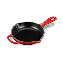 Le Creuset Signature Cast Iron 6.3-inch Iron Handle Skillets