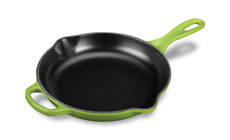 Le Creuset Signature Cast Iron 9-inch Iron Handle Skillets