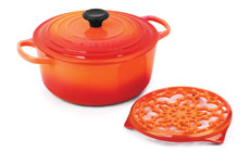 Le Creuset Signature Cast Iron 5½-quart Round Dutch Oven with Bonus Trivet