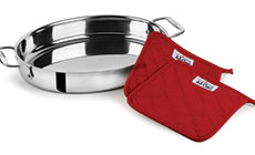 'All-Clad Stainless Steel Oval Baker with Pot Holders' from the web at 'http://cdn.cutleryandmore.com/products/small/36763.jpg'