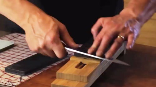 How to properly sharpen your knives with stones